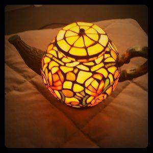 Tiffany tea pot light